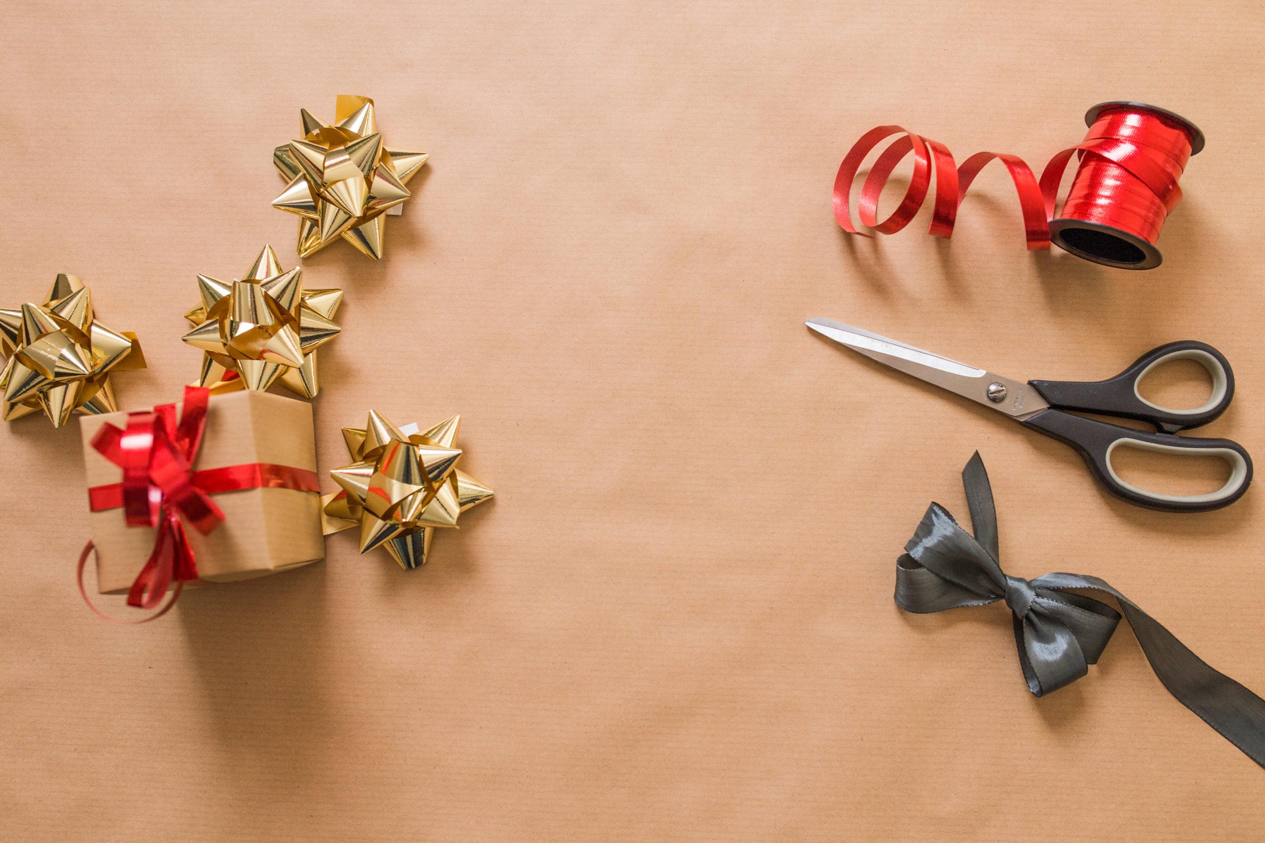 Come Fare Pacchetti Natalizi come fare un pacchetto regalo originale in modo semplice