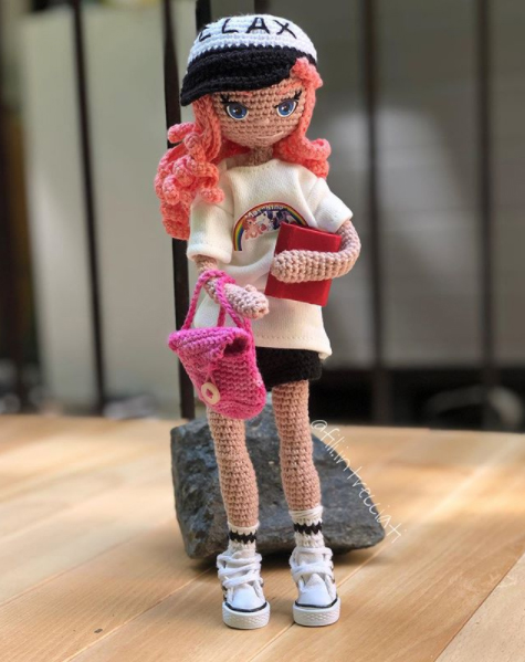 Amigurumi bambola all'uncinetto